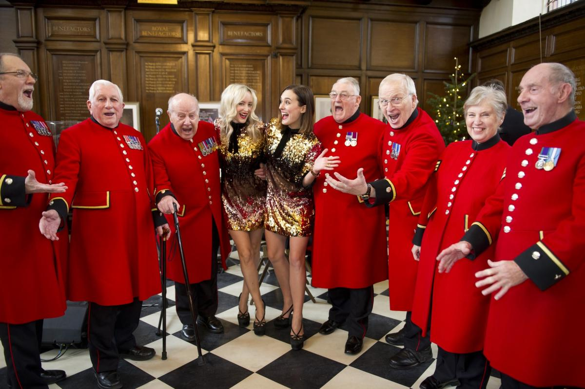 Chelsea Pensioners with Verity and Violet