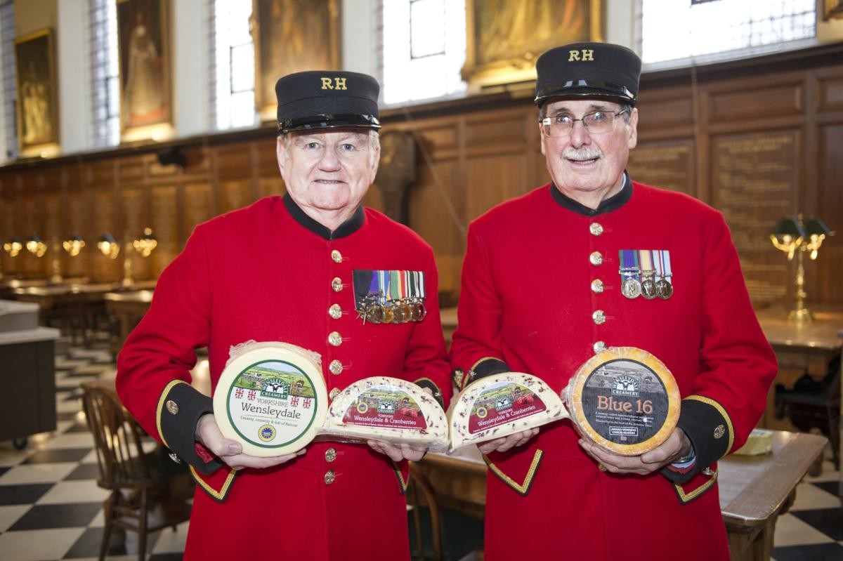"CHELSEA PENSIONERS SAY ""CHEESE"" TO HERALD THE START OF THE FESTIVE SEASON WITH NORTH YORKSHIRE'S FINEST"