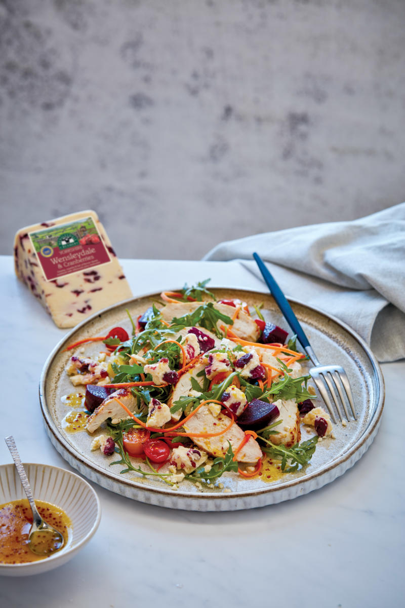 Yorkshire Wensleydale and Cranberry, Chicken and Beets Salad (Pack Blur)